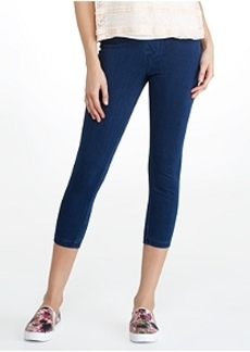 HUE Super Smooth Denim Capri Leggings