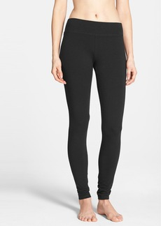 Hue 'Ultra' Wide Waistband Leggings