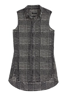 Sleeveless blouse in graphic plaid