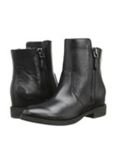 Kenneth Cole New York Marcy