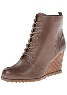 Kenneth Cole REACTION Women's Storm Call Boot
