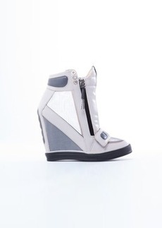 L.A.M.B. Women's Stephanie Fashion Sneaker