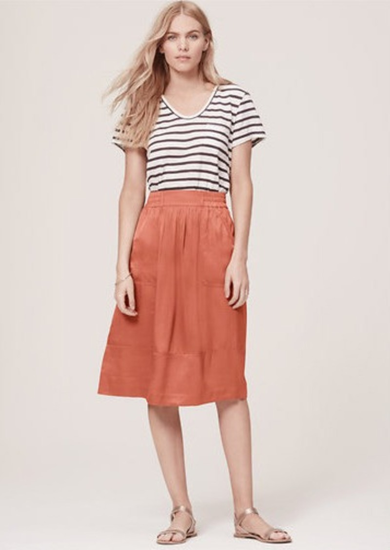 Find the newest skirt styles at the perfect length. Shop Ann Taylor's collection of petite skirts, including pencil skirts and petite A-line skirts today.