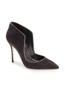 Manolo Blahnik 'London' Pointy Toe Pump (Women)