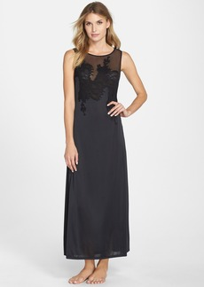 Natori 'Shandong' Lace Appliqué Nightgown