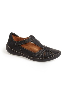 Naturalizer 'Kelly' Leather T-Strap Flat