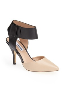 Steve Madden 'Swift' Pointy Toe Pump (Women)