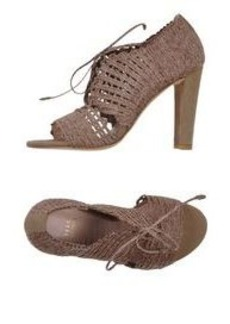 STUART WEITZMAN - Laced shoes