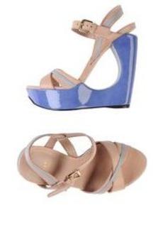 STUART WEITZMAN - Sandals
