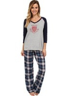 Tommy Hilfiger Sweatshirt/Plaid Pant Set
