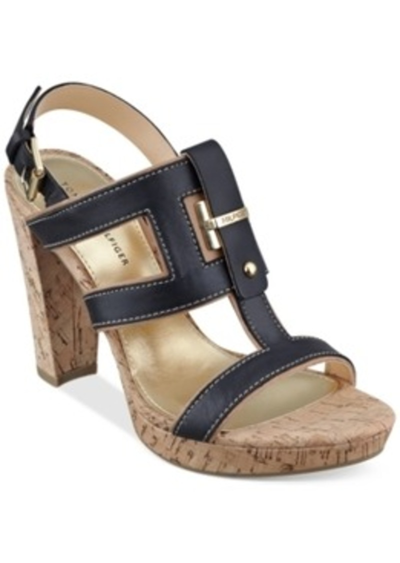 Model Tommy Hilfiger Womens Loyal Sandals  Onwomenshoes