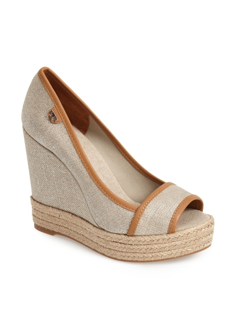 Olukai Shoes For Men Images