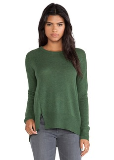 White + Warren Notch Hem Crewneck Sweater in Green