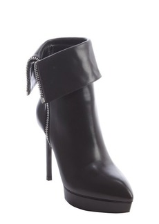 Saint Laurent black leather point toe 'Janis' cuff ankle boot